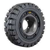 Andersen Truck er forhandler av Continental Industridekk og har utstyr for å presse på kompakte dekk.